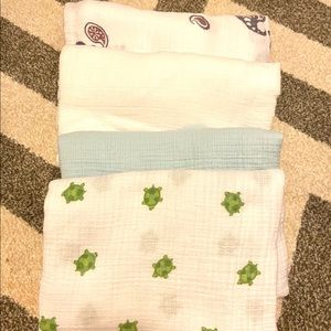 Aden & ANAIS Muslin Baby blanket lot Of 4 swaddle